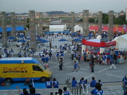 東ゲート広場