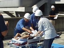 負傷者の搬送及び応急救護訓練