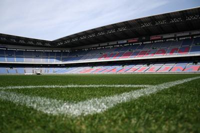 日産スタジアムの芝生